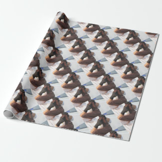 Papier Cadeau Les mains ont coupé une sculpture d'un chocolat