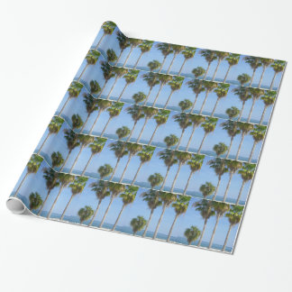 Papier Cadeau palmiers heureux sur la plage sablonneuse