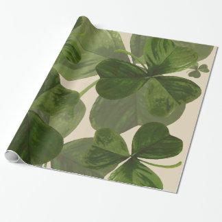 Papier Cadeau Photo botanique de shamrocks sur la couleur crème