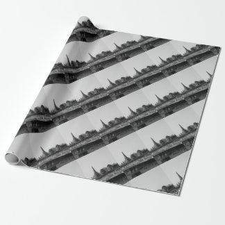 Papier Cadeau Une image noire et blanche d'un vieux temple
