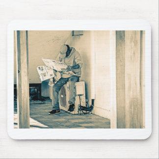 Papier de lecture d'homme tapis de souris