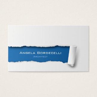 Papier déchiré par carte de visite d'architecte