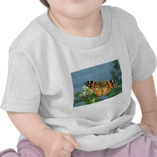 Papillon dans la nature t-shirts