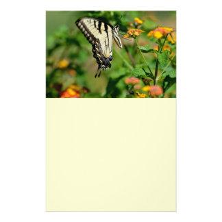 Papillon de machaon prospectus 14 cm x 21,6 cm
