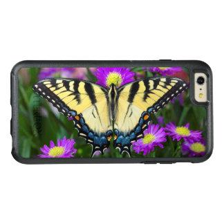 Papillon de machaon sur la marguerite coque OtterBox iPhone 6 et 6s plus