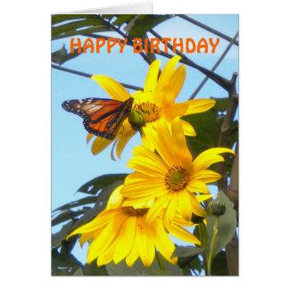 Papillon de monarque sur la carte d'anniversaire