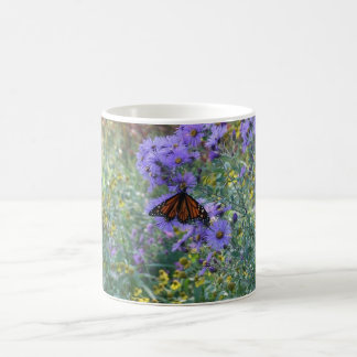 Papillon et fleurs mug