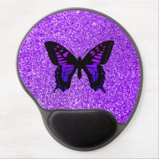 Papillon pourpre sur le scintillement tapis de souris avec gel