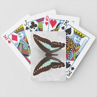 Papillon sur l'arrière - plan de papier peint jeux de cartes
