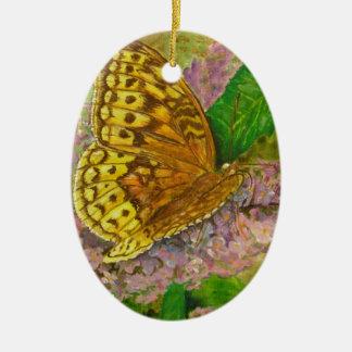 Papillon sur le buddleia pourpre David de buisson Ornement Ovale En Céramique