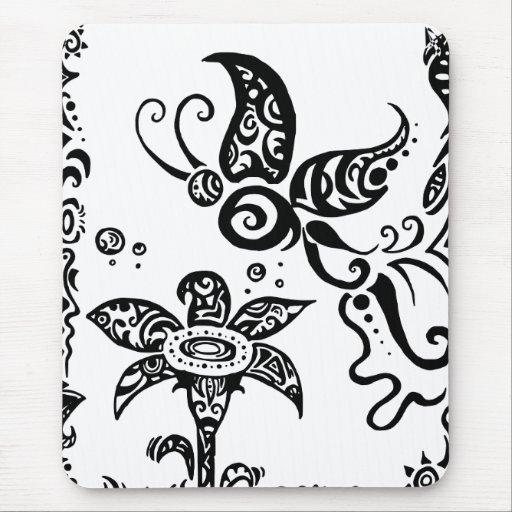 Papillon tribal noir et blanc tapis de souris