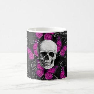 Papillons de crâne et de roses indien d'imaginaire mug