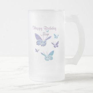 Papillons de danse, maman de joyeux   anniversaire frosted glass beer mug