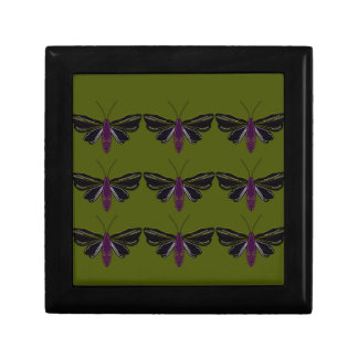 Papillons noirs avec le vert boîte à souvenirs