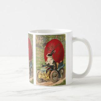 Pâques drôle vintage, automobile d'oeufs de lapin mug