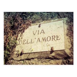 Par l'intermédiaire de la carte postale italienne