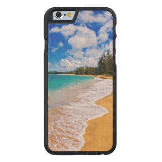 Paradis tropical de plage, Hawaï Coque Carved® Slim iPhone 6 En Érable