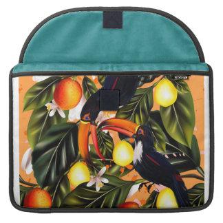Paradis tropical. Toucans et agrume Poche Pour Macbook
