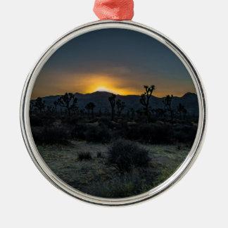 Parc national d'arbre de Joshua de lever de soleil Ornement Rond Argenté