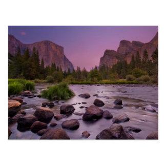 Parc national de Yosemite au crépuscule Cartes Postales