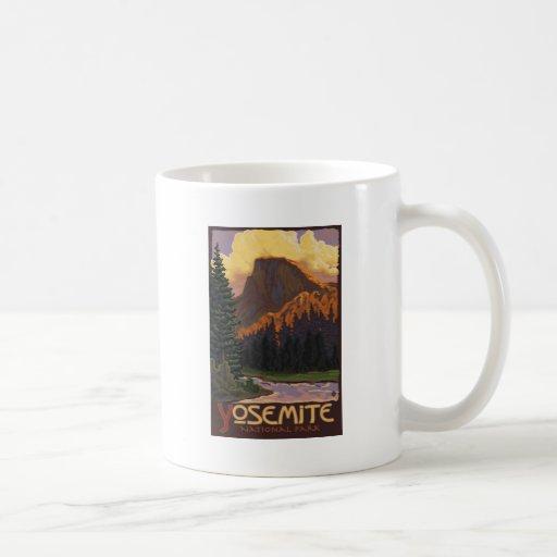 Parc national de Yosemite - demi d'affiche de voya Tasses À Café