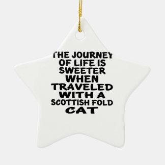 Parcouru avec le chat de pli d'écossais ornement étoile en céramique