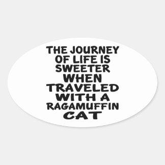 Parcouru avec le chat de va-nu-pieds sticker ovale