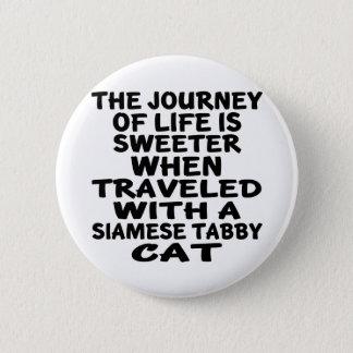 Parcouru avec le chat tigré siamois badge
