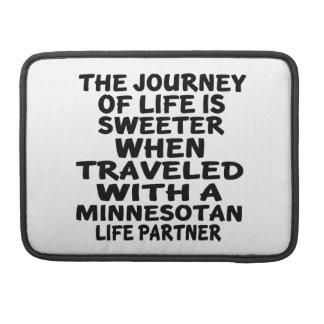 Parcouru avec un associé de la vie de Minnesotan Poches Pour Macbook Pro
