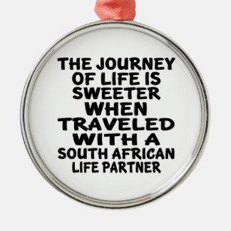 Parcouru avec un associé sud-africain de la vie ornement rond argenté