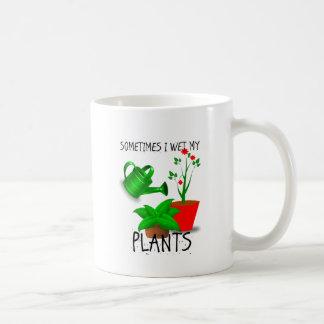 Parfois je mouille mes plantes mug