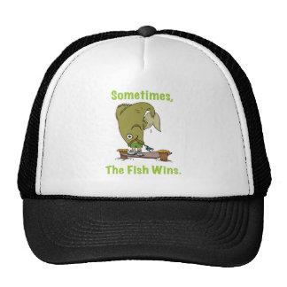 Parfois le poisson gagne le chapeau casquettes