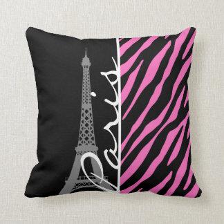 Paris ; Copie rose et noire de zèbre Coussin