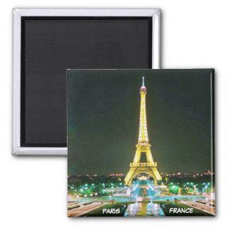PARIS, FRANCE MAGNET CARRÉ