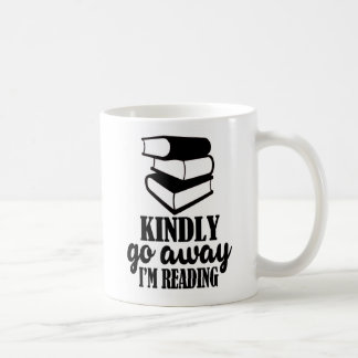 Pars avec bonté, je lis la tasse