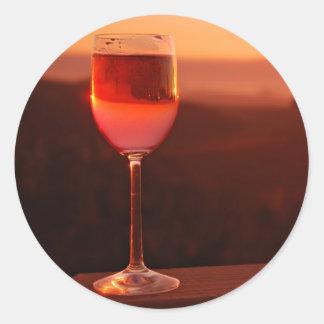 Partie d'échantillon de vin de coucher du soleil sticker rond