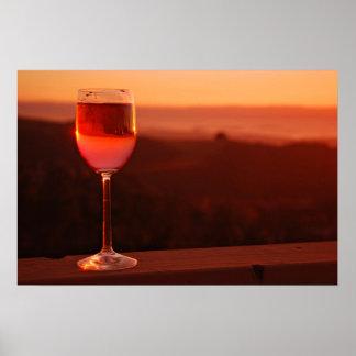 Partie d'échantillon de vin de coucher du soleil posters