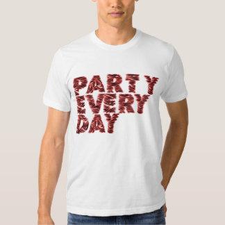 PARTY CHAQUE JOUR T-SHIRTS