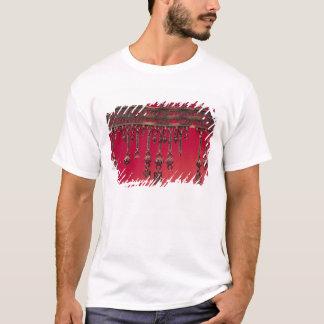 Parure avec des pendentifs de cloche t-shirt