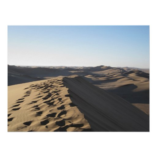 Pas sur une dune posters