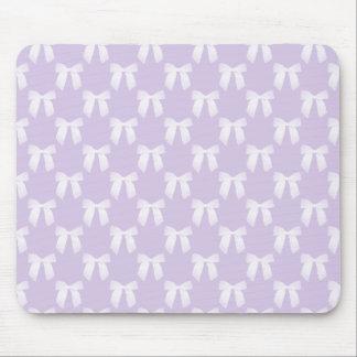 Pastel lilas de ressort avec les arcs blancs tapis de souris