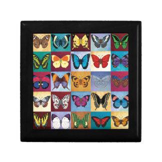 Patchwork de papillon petite boîte à bijoux carrée