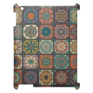 Patchwork vintage avec les éléments floraux de étuis iPad