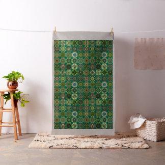 Patchwork vintage avec les éléments floraux de tissu