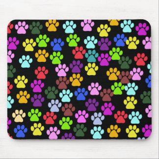 Pattes de chien, traînées, empreintes de pattes - tapis de souris