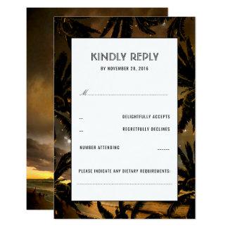 Paumes de coucher du soleil de plage épousant des carton d'invitation 8,89 cm x 12,70 cm