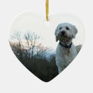 Pavot le chien de labradoodle ornement cœur en céramique