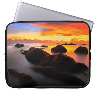 Paysage de plage au lever de soleil housse ordinateur