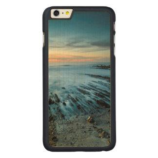 Paysage marin bleu au coucher du soleil, la coque mince en érable iPhone 6 plus