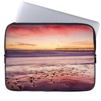Paysage marin et pilier au coucher du soleil, CA Housse Pour Ordinateur Portable
